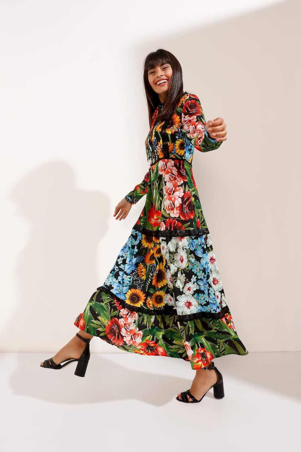 Store WF Multi-Colour Floral Pattern Maxi Dress Modest Loose Fitting Dress with Long Sleeves in Colourful Floral Prints in 100% Polyester