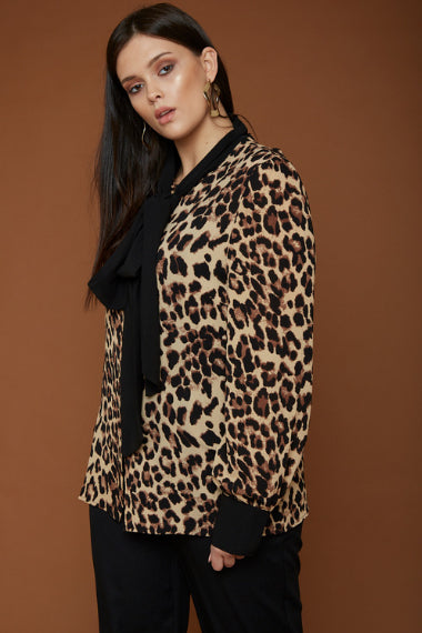 UNIQUE21 Plus Size Leopard Contrast Pussybow Blouse Modest Loose-Fitting Women's Top With Long Sleeves, Leopard Print, Ribbon Collar