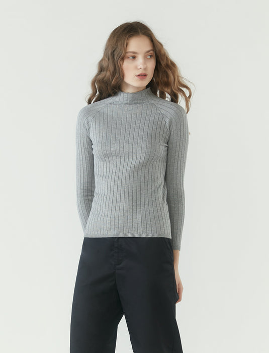 r y e  Modest Women Ribbed Knit Long Sleeve Top in Heather Grey made from 95% Viscose and 5% Spandex close up view