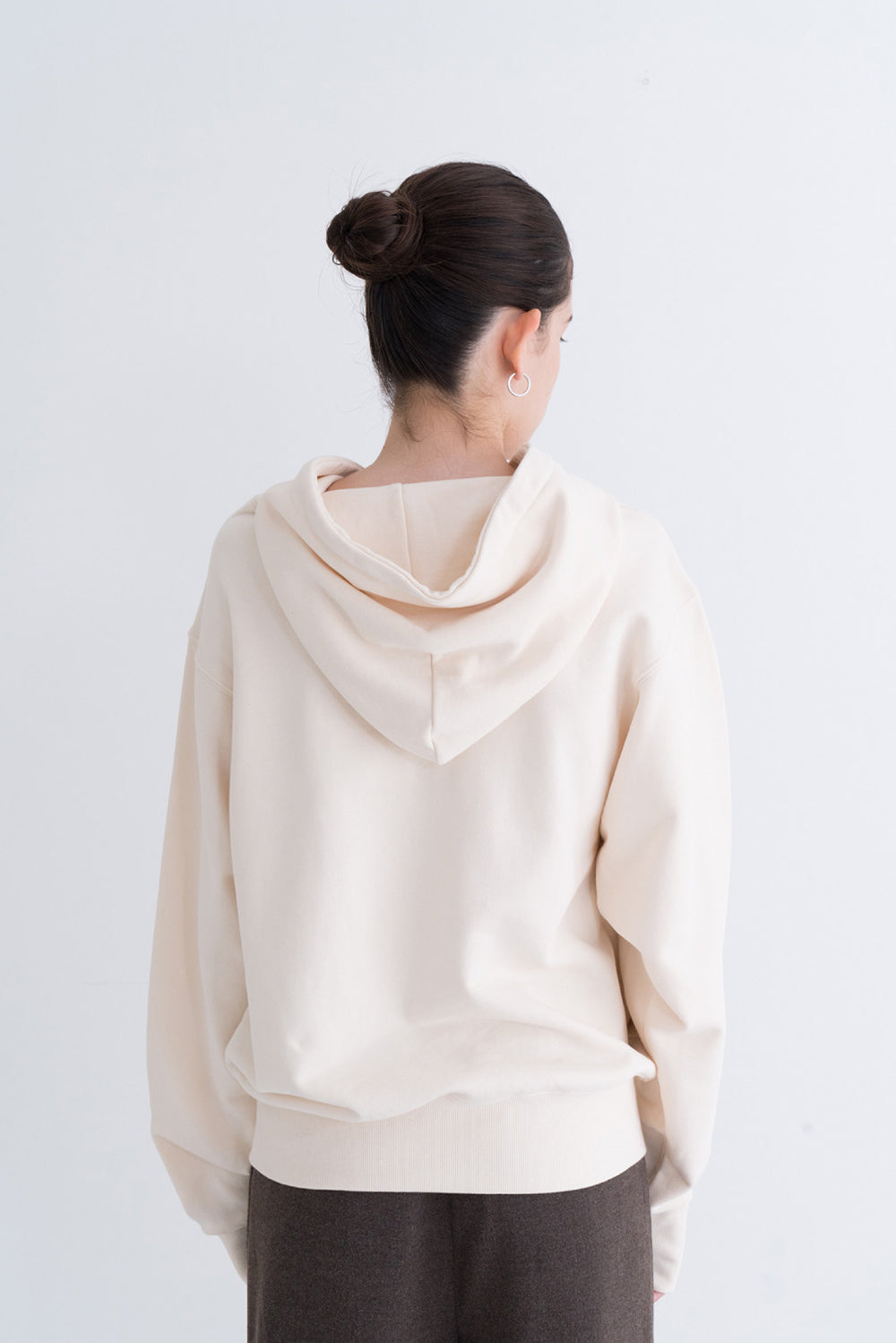 NOTA Signal String Hood Ivory Modest Loose-Fitting Ladies Sweater With Long Sleeves, Front Pockets, Drawstring Hoodie 100% Cotton