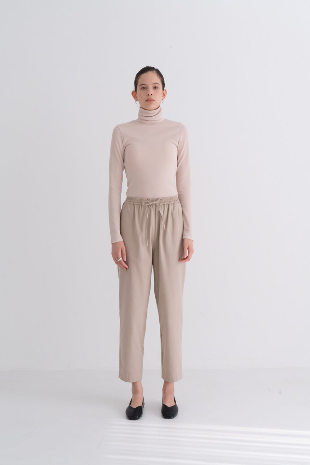 NOTA Relax Banding Pants Beige Modest Loose-Fitting Women's Trousers With Elastic Waistband, Ankle-Length Cut, Four Pockets