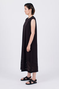 Muzca MZC Supima Dress Modest Loose Fitting Black Midi Sleeveless Dress with Embroidery in Cotton and Spandex