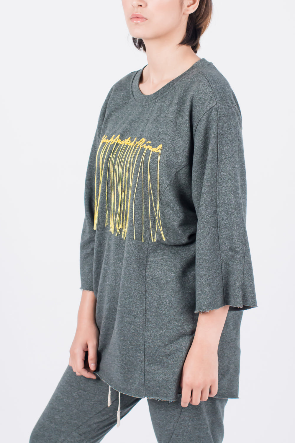 Muzca Undefeated Mind In Siro Yarn Sweatshirt Modest Loose Fitting Green Top with Long Sleeves and Front Stitching in 100% Cotton