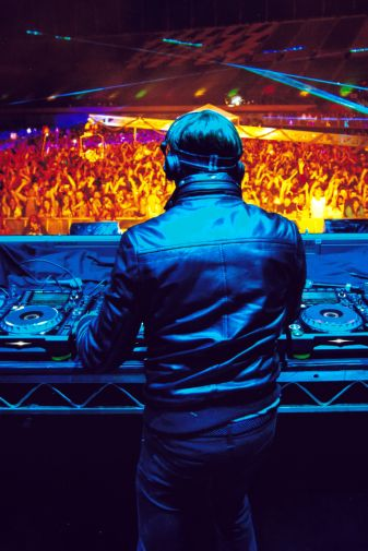 David Guetta poster 24inx36in Poster