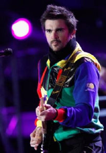 Juanes 11inx17in Mini Poster #02 Guitar