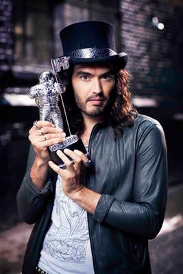 Russell Brand Vma Moon Man Poster 11x17 Mini Poster