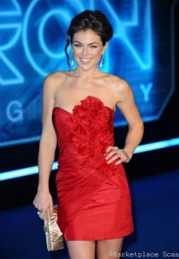 Serinda Swan Photo Sign 8in x 12in