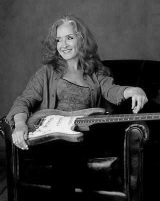 Bonnie Raitt black and white poster