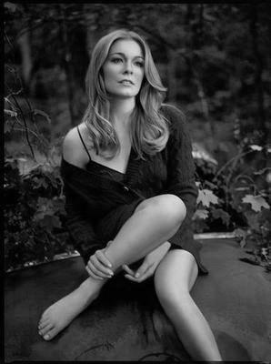 Leann Rimes black and white poster
