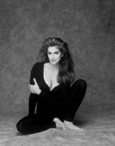 Cindy Crawford black and white poster