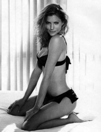 Tricia Helfer poster tin sign Wall Art