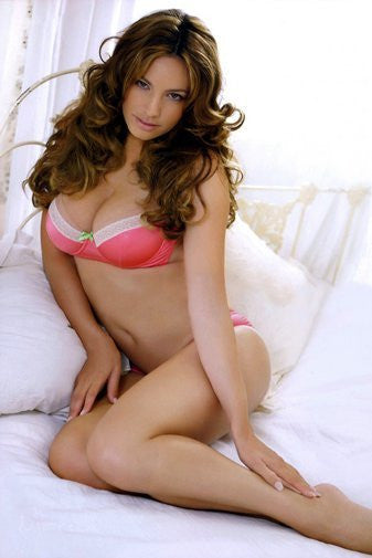 Kelly Brook Poster 11Inx17In Mini Poster