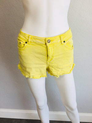 2.1 Denim shorts