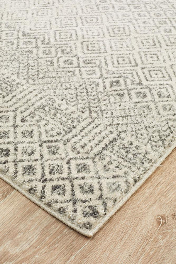 Evoke Diamond Grey Transitional Rug