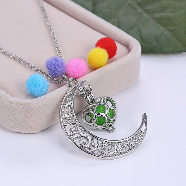 Crescent Moon Aromatherapy Essential Oil Diffuser Necklace
