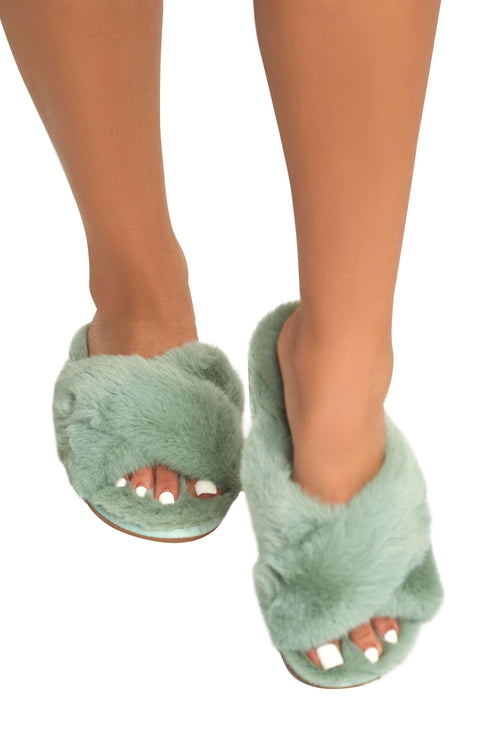 Plush Fur Slides ( more colors)