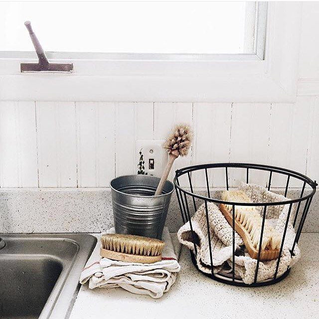 Change up your cleaning routine to be more sustainable!