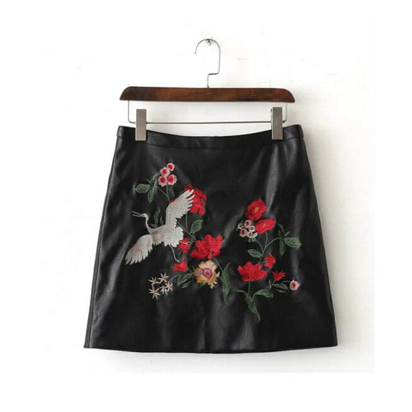 Sexy A-line Floral Embroidery faux Leather Skirt Retro New Women Contrast color Flower mini short PU leather Skirts Black