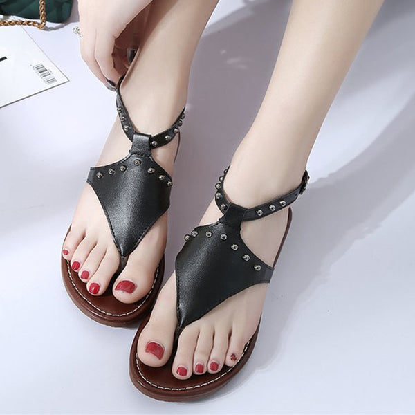0c0111a6dcd 2018 New Woman s Fashion Summer Gladiator Flats Rivets Sandals