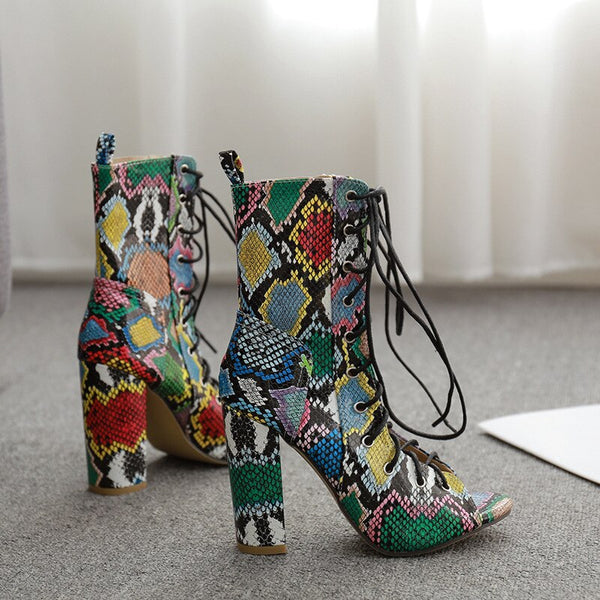 2020 Women Serpentine Lace Up Chunky High Heel Cool Boots