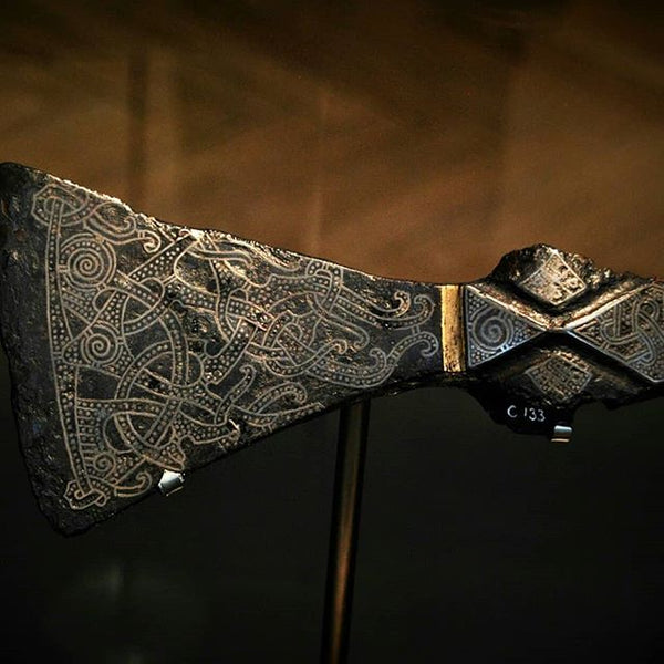 Mammen axe carved into detail in preservation