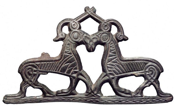 Clothes brooch of Thor's goats found in Viking excavation