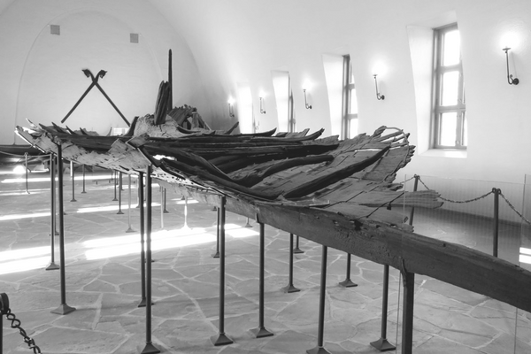 Viking Tune Ship