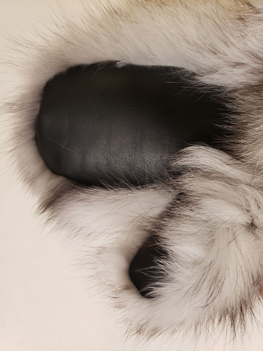 A close up of the leather palm of the Blue Fox Fur Mitten.