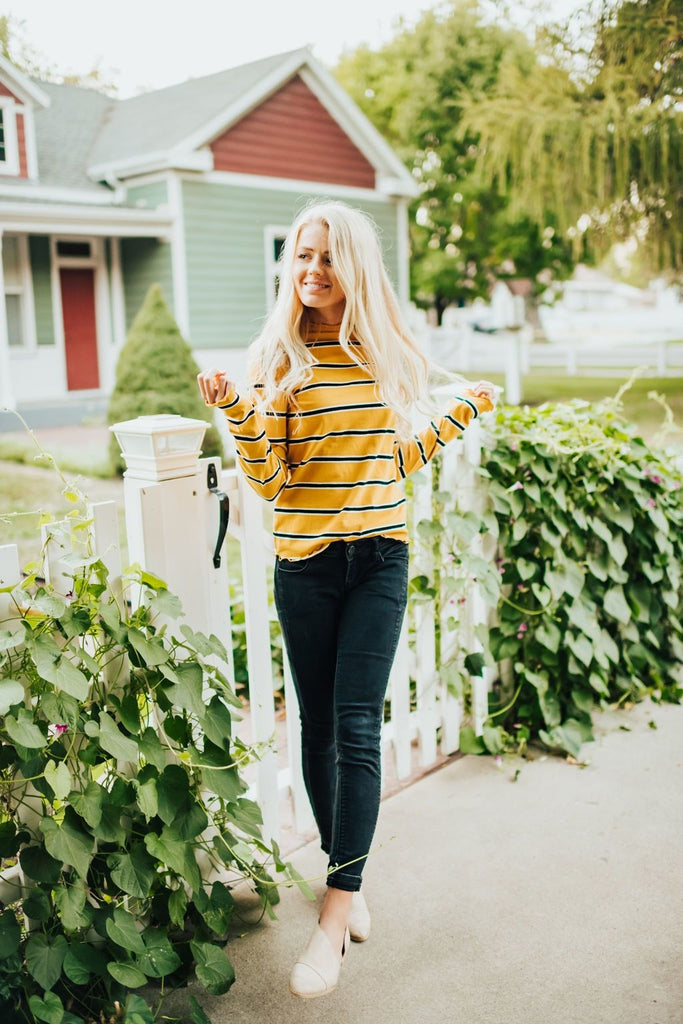 Lydia Shirt In Mustard - Top