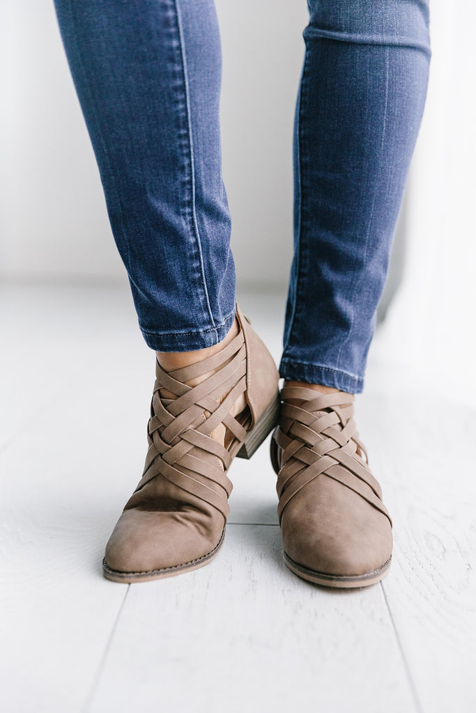 ASPEN ANKLE BOOTIE IN WHISKEY