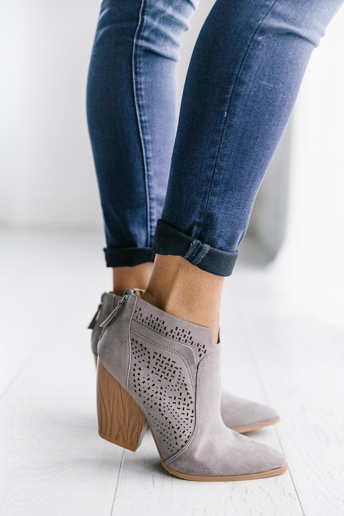 STANLEY SUEDE BOOTIE IN GREY