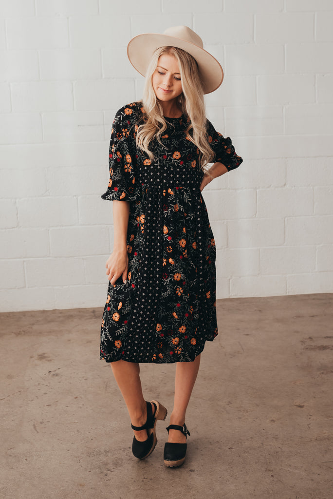 MIXED FLORAL DRESS IN BLACK