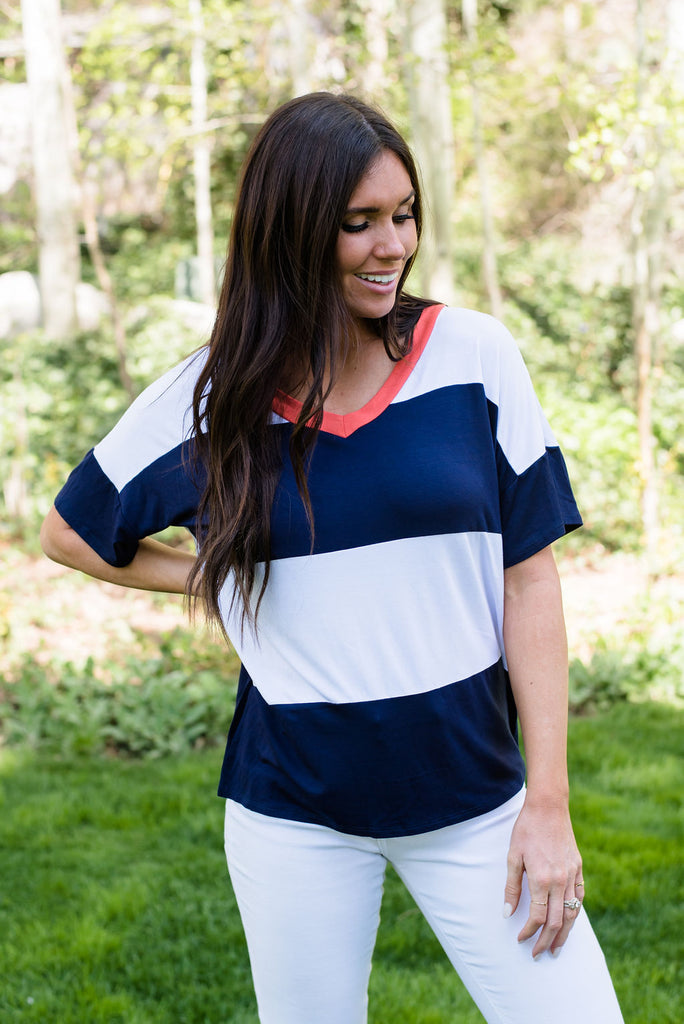 STELLA TOP IN WHITE AND NAVY