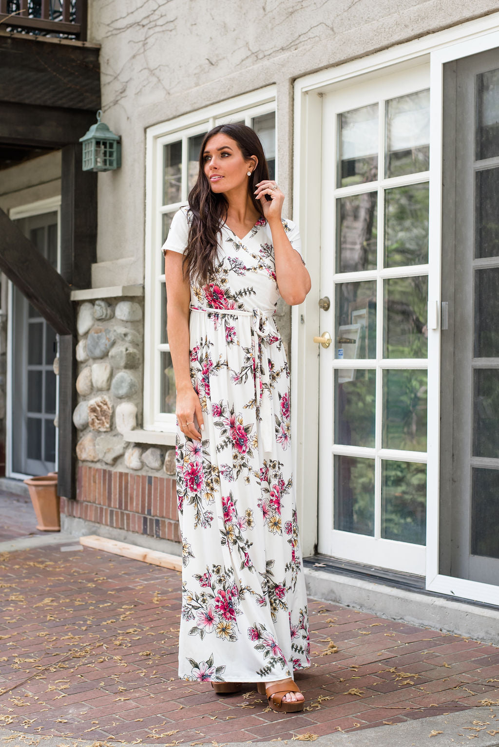 SYDNEY MAXI WRAP DRESS IN WHITE FLORAL