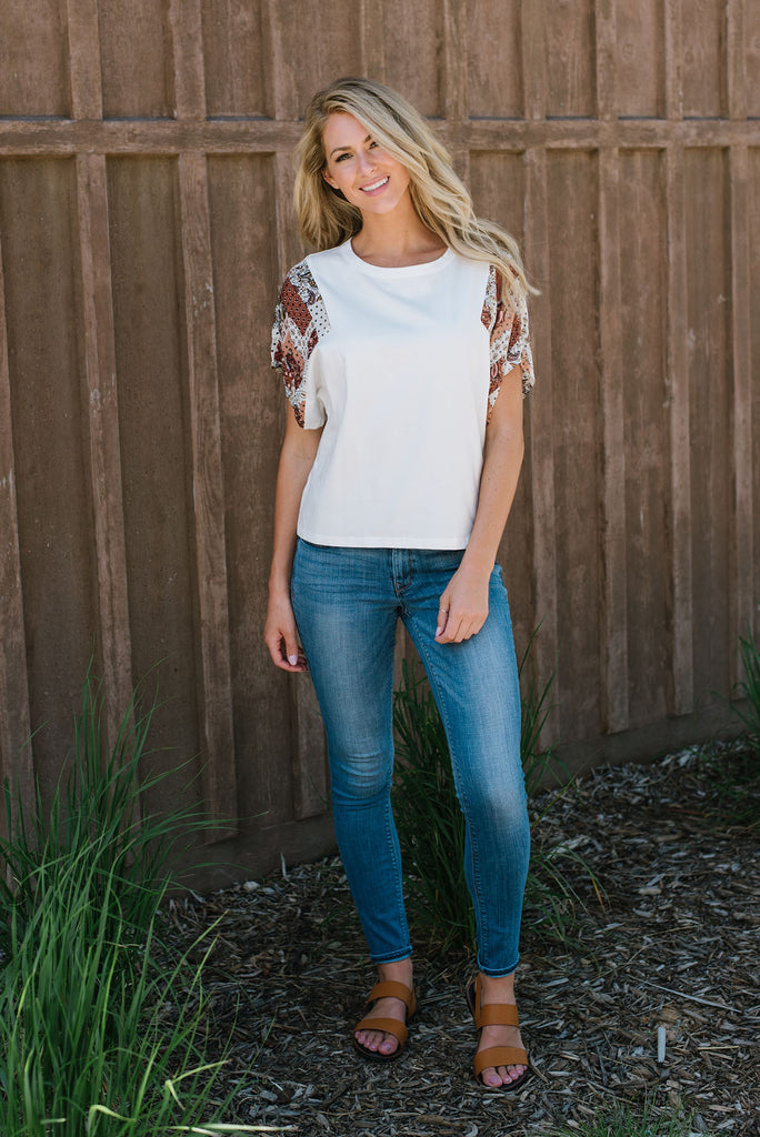 CRISTIE WHITE TOP WITH PATTERNED SLEEVES