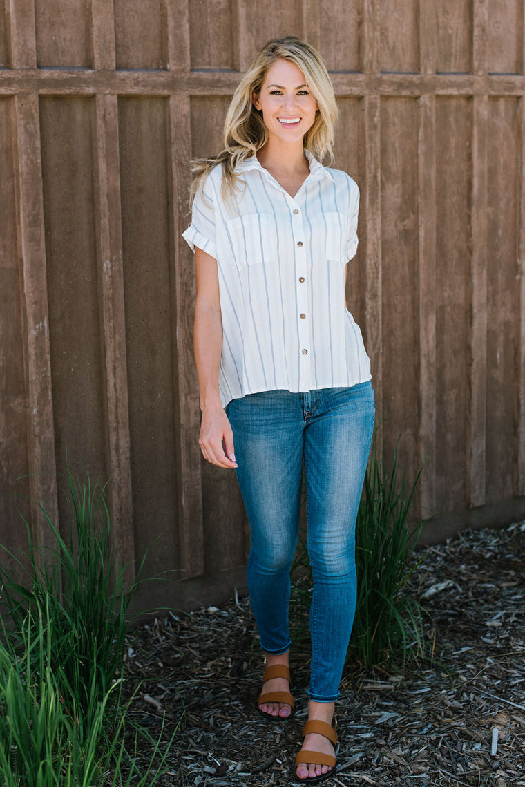 MAYA TOP IN WHITE WITH BLUE PINSTRIPES