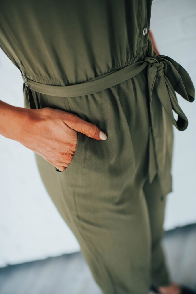 CASSIE JUMPSUIT IN OLIVE