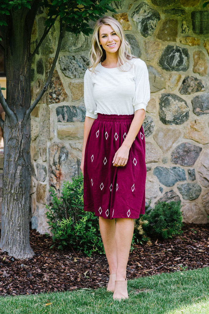 DILLON DIAMOND PATTERN MIDI SKIRT IN BURGUNDY