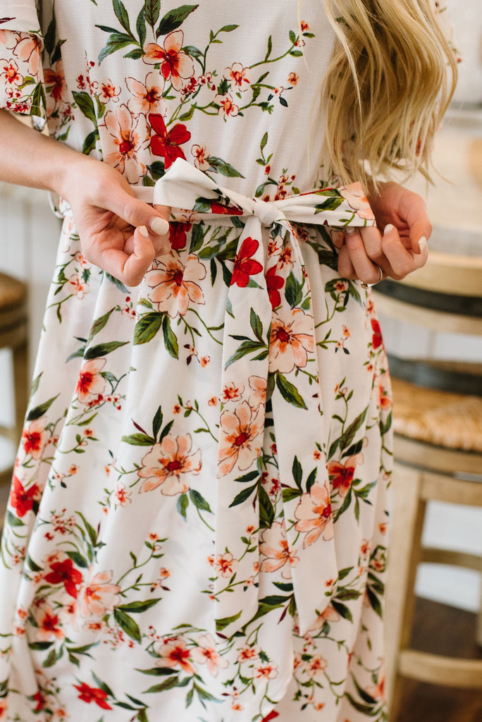 LOLA FLORAL DRESS IN WHITE