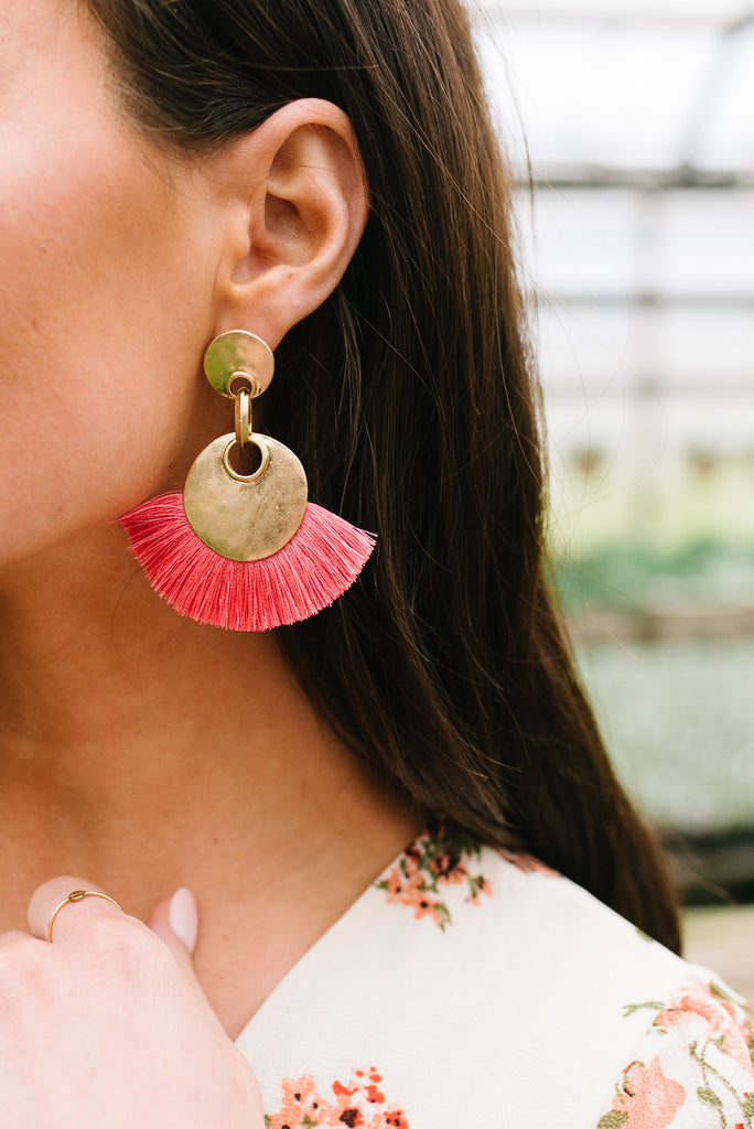 ALL DRESSED-UP FRINGE IN FLAMINGO PINK