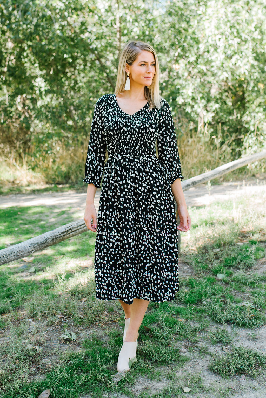 LISA MIDI DRESS WITH SMOCKING IN BLACK AND WHITE