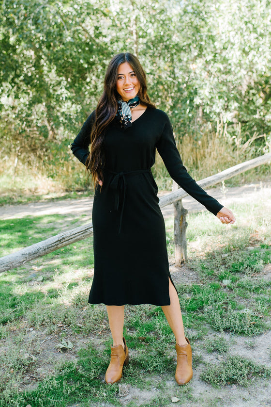 DEANNE SWEATER DRESS IN BLACK