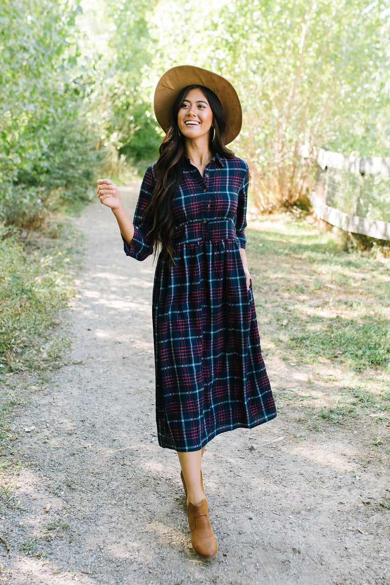 TAMMIS FIT AND FLAIR PLAID SHIRT DRESS IN NAVY