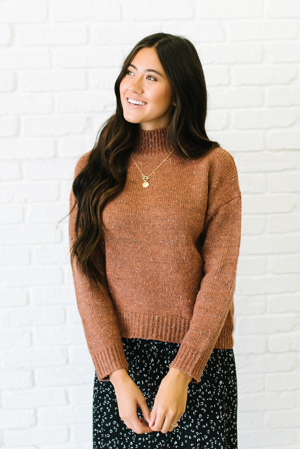 JORDAN MOCK NECK THREAD MIX SWEATER IN BROWN