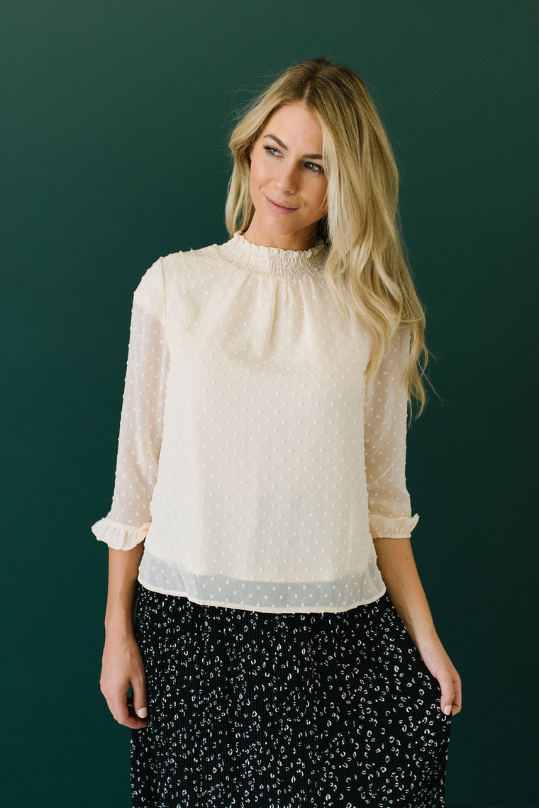 NATALIE SWISS DOT TOP IN IVORY