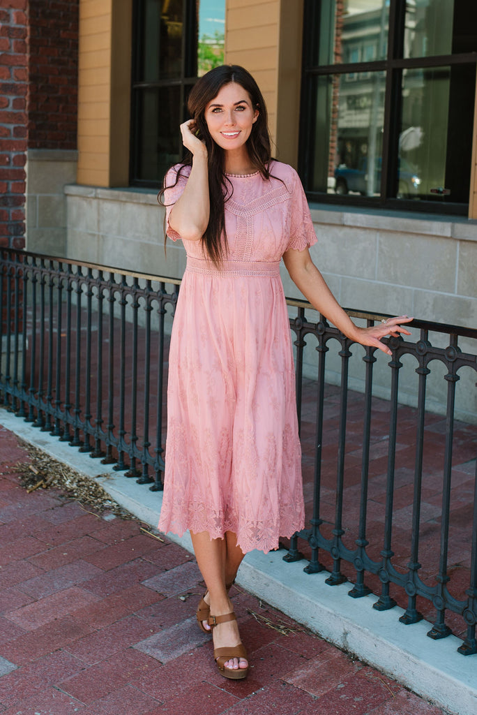 ERIN MIDI DRESS WITH LACE OVERLAY IN MAUVE