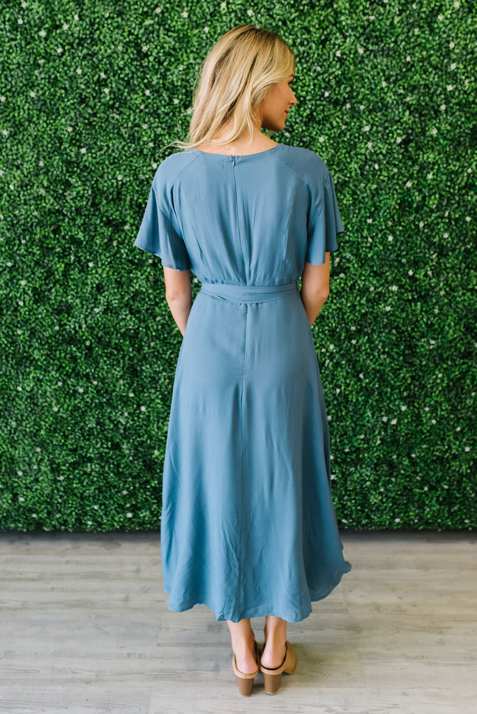 ZOE DRESS WITH PLEATED SHOULDERS IN BLUE