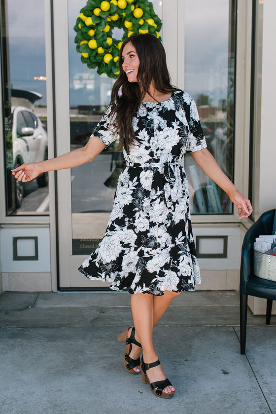 ALLISON MIDI DRESS IN BLACK AND WHITE FLORAL