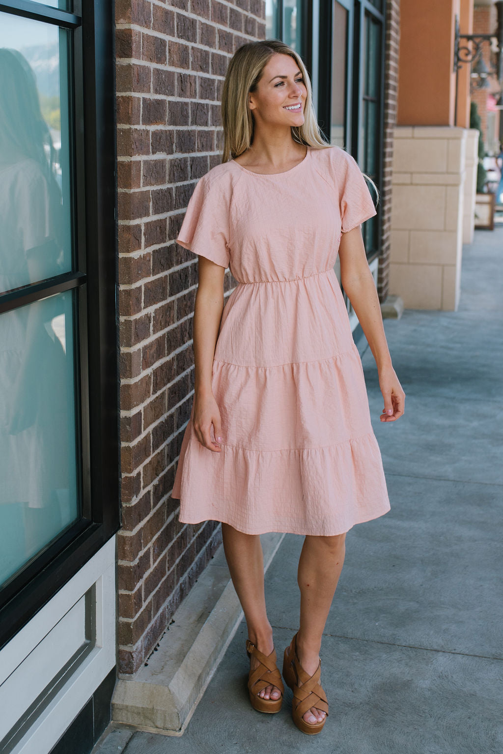 LESLIE TIERED SKIRT MIDI DRESS IN BLUSH