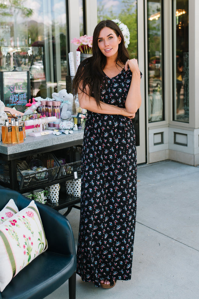 JOAN MAXI DRESS IN BLACK WITH FLORAL PRINT